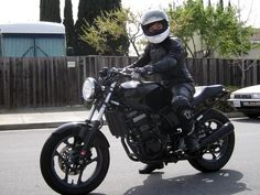 Ninja 250 Cafe Racer - This is what I want to build. I liked it better before he messed with the tail.
