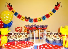 This woman posted all of the pictures from her son's Mickey Mouse Clubhouse themed 1st birthday, and it is the cutest thing ever! She had the best ideas! Definitely stealing a few!