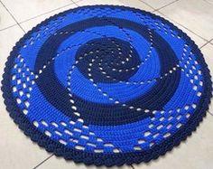 tapete espiral azul com preto