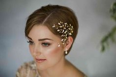 35 Modern Romantic Wedding Hairstyles For Short Hair throughout dimensions 1200 X 800 Wedding Hairstyles For Short Hair Bride - Quick hairstyles usually Quick Hairstyles, Bride Hairstyles, Headband Hairstyles, Straight Hairstyles, 1960s Hairstyles, Creative Hairstyles, Bridesmaid Hairstyles, Hairstyle Short, Short Haircut