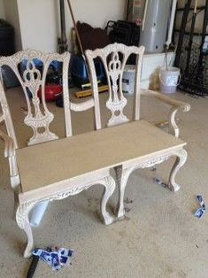 How to make a bench from two Chippendale chairs - furniture makeover. - How to make a bench from two Chippendale chairs – furniture makeover. Refurbished Furniture, Repurposed Furniture, Furniture Makeover, Painted Furniture, Repurposed Wood, Painted Chairs, Painted Tables, Furniture Projects, Furniture Making