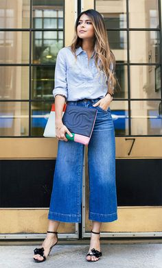 Street style look com calça culotte.