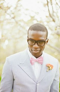 Suave and hipster groom in pink and pinstripe #groom #seersucker #wedding #hipster