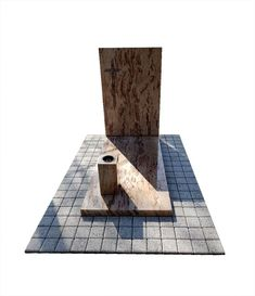 Pojedynczy pomnik granitowy z jasnego kamienia Shivakashi w otoczeniu kostki polbrukowej. Bookends, Architecture, Home Decor, Granite Counters, Arquitetura, Decoration Home, Room Decor, Architecture Design, Home Interior Design