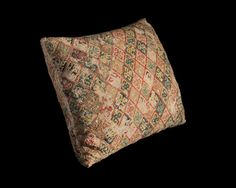 Late medieval book pillow. Wool on linen. Brickstitch. See also https://www.youtube.com/watch?v=3dUjQuRMsGY&list=UUFIVZO0wof6xvRvkWCQn9ig&index=2