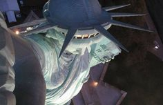 Can't believe someone hasn't noticed this looks like the statue of liberty took a selfie haha #letmetakeaselfie