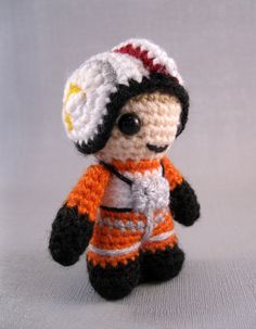 PDF of X-Wing Pilot  Star Wars Mini Amigurumi por lucyravenscar