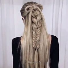 Gorgeous Braided Hairstyle 2019 / Braid Tutorial Braid hairstyle has always been a symbol of beauty. Therefore, hairstyles with braids remain the most trendy and fashionable to this day. And no matter, short or long hair, hair with braids will always give Braided Hairstyles Tutorials, Box Braids Hairstyles, Straight Hairstyles, Cool Hairstyles, Latest Hairstyles, 1960s Hairstyles, Hairstyle Braid, Halloween Hairstyles, Hairstyle Short