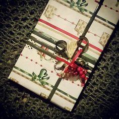 #новыйгод близко  Готовимся и помогаем подготовить #подарок  #подарочек   #оформление#упаковка#оформлениеподарка#упаковочнаябумага#бант#бантик#солома для #агроном#агрофак#деканат  #wrappingpaper#gift#wrapping#wrapper  #happynewyear#newyear  #ribbon#Christmas  #decorate your #gift  #decorteam  #lala_decorteam  ❄