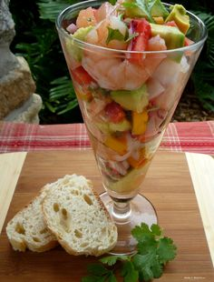 Different than my ceviche but sounds delicious. Shrimp Ceviche with Mango, Pineapple, Strawberry Avocado Appetizers For A Crowd, Seafood Appetizers, Seafood Dishes, Fish And Seafood, Appetizer Recipes, Seafood Ceviche, Dinner Recipes, Shrimp Ceviche With Avocado, Drink Recipes