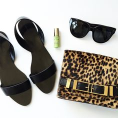 simple black sandals, sunglasses & leopard print bag #style #fashion