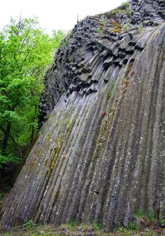 Beautiful Hungary: Somoskő, bazaltorgona Places Around The World, Around The Worlds, Cool Pictures Of Nature, Basalt Columns, Cambodia Travel, Heart Of Europe, Survival Life, Budapest Hungary, City Break