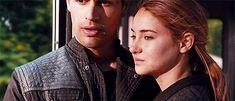 Divergent Four and Tris Gif Divergent Fandom, Tris Und Four, Tris And Tobias, Theodore James, Theo James, Divergent Insurgent Allegiant, Veronica Roth, Movie Couples, Allegiant