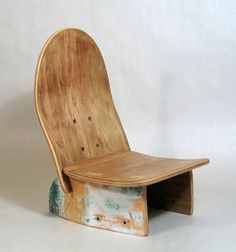 Skateboard chair! Such a cute idea for a little boys desk. Buy old skateboard at a garage sale... I wish I was more handy!