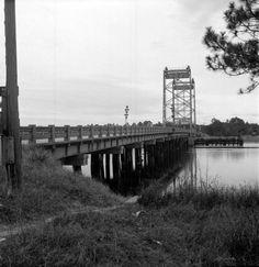 Vertical lift bridge on State Road built Bay County Florida, Old Florida, Southern Charm, Southern Style, Lynn Haven, Florida Images, Chicago Photos, Panama City Beach, George Washington Bridge