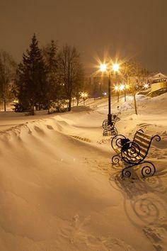 park bench snowdrifts