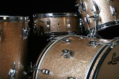 Another beautiful set of Ludwig Super Classics in champagne sparkle. I love this classy photo.