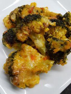 Brocoli gratinado con salsa de zanahoria Vegan Recipes, Vegan Food, Quiche, Broccoli, Tacos, Food And Drink, Meat, Chicken, Vegetables