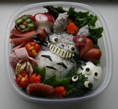 Familius | 26 Mind-Blowing Bento Boxes: My Neighbor Totoro