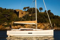 """The Dufour 310 GL, this """"Small Big Boat"""" demonstrates superb performance and ease of handling. Universal Yachting are proud to be UK agents for Dufour Yachts covering the Central South Coast Area and the Mediterranean.For full pricing options and to discuss the Dufour Range in detail. Visit Us: http://www.universalyachting.com/ Contact Us: info@universalyachting.com T: 01243697274"""