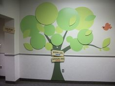 I love this 3D tree mural.  Thinking about adding this to a preschool room                                                                                                                                                                                 Mais
