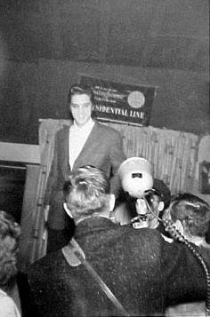 Elvis  in Cleveland in november 23 1956.