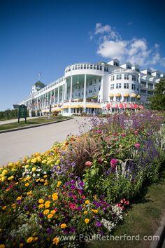 Grand Hotel Mackinac Island Wedding Photographer | Ashley & Aris photo by http://www.paulretherford.com #puremichigan