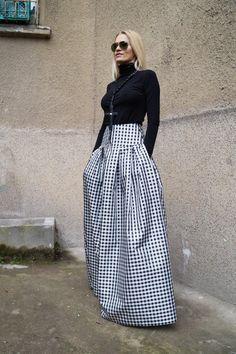 4936459c9817 Gingham Lovely Black and White Long Maxi Skirt High or Low Waist Skirt Long  Waistband Skirt Fashion Skirt  Pleated Skirt  Maxi Skirt  F1578
