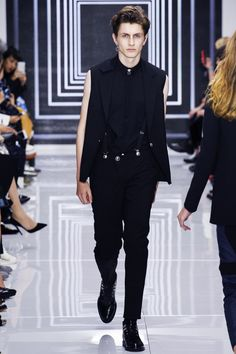 Versus Versace Spring/Summer 2016 - For more like this follow us or visit our website and do not forget to repin!   #elegant, #fashion, #fashion show, #fashionshow, #hespiration, #homme, #look, #lookbook, #male, #male model, #mensfashion, #mensstyle, #model, #ootd, #ootdmen, #spring, #spring-summer, #spring-summer-2016, #style, #suit, #summer, #Versace, #versus,