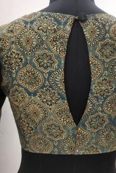 Back neck design Salwar Designs, Blouse Designs High Neck, Cotton Saree Blouse Designs, Simple Blouse Designs, Neck Designs For Suits, Stylish Blouse Design, Kurti Neck Designs, Suit Neck Design, Back Design Of Blouse