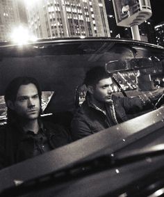 Sam and Dean ~ Supernatural                                                                                                                                                     Mais