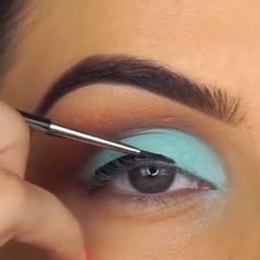 Nos encanta :) We love :) – Make Up Time Makeup Trends, Eye Makeup Tips, Makeup Goals, Skin Makeup, Makeup Inspo, Eyeshadow Makeup, Makeup Inspiration, Beautiful Eye Makeup, Cute Makeup