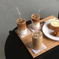 Aesthetic Coffee, Aesthetic Food, Kawaii Cooking, Yummy Food, Tasty, Food Goals, But First Coffee, Coffee Break, Love Food