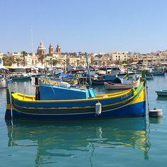 Marsaxlokk: vissersdorp met kleurrijke bootjes: http://www.followmyfootprints.nl/marsaxlokk-vissersdorp-kleurrijke-bootjes/