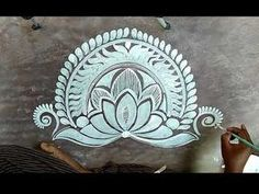 In this vedio I try to shw that How to draw Door alpana, Morning Kolam/ Bengali Alpona. My other Vedio Link below pLease Click this vedio link. Simple Rangoli Border Designs, Rangoli Designs Latest, Rangoli Designs Flower, Rangoli Borders, Free Hand Rangoli Design, Small Rangoli Design, Rangoli Designs With Dots, Rangoli Designs Diwali, Beautiful Rangoli Designs
