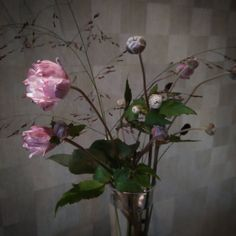 """""""We hebben nog een paar takjes voor onszelf #annemoon #dutchflowers"""""""