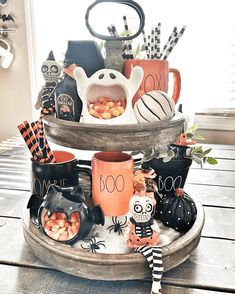 Inspirational Farmhouse RAE DUNN Tiered Trays - The Cottage Market These Inspirational Farmhouse Rae Dunn Tiered Trays will totally motivate you to create for sure! Come and get some fun ideas and tons of inspiration! Casa Halloween, Theme Halloween, Halloween Home Decor, Fall Home Decor, Holidays Halloween, Halloween Crafts, Happy Halloween, Halloween Decorations, Halloween Displays