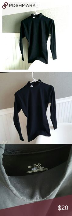 GREAT Condition Under Amour Top! Selling a GREAT Condition Under Amour Top! This is a cold gear top, keeps you warmer, lined, comfortable, size small. Under Armour Tops