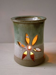 Green cut-out Oil Burner with flower