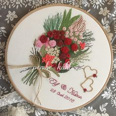 Wonderful Ribbon Embroidery Flowers by Hand Ideas. Enchanting Ribbon Embroidery Flowers by Hand Ideas. Floral Embroidery Patterns, Learn Embroidery, Rose Embroidery, Silk Ribbon Embroidery, Embroidery Hoop Art, Embroidery Stitches, Embroidery Designs, Wedding Embroidery, Embroidery Techniques