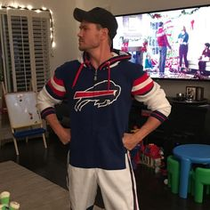 """5,498 Me gusta, 44 comentarios - Sarah Roemer (@rooeemer) en Instagram: """"When your husband is so proud of that Buffalo Bills onesie he ordered in the mail... and so am I.…"""" Chad Micheals, Sarah Roemer, Chad Michael Murray, Man Alive, Sexy Men, Onesies, Husband, Buffalo Bills, Instagram Posts"""