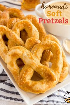Irresistible Homemade Soft Pretzels are warm, buttery salty and so quick and easy to make. This soft pretzel recipe uses simple pantry ingredients and makes the best pretzels!  Serve these delicious soft pretzels with cheese dipping sauce or mustard. #lemonblossoms #Oktoberfest #baking #easyrecipe #breadrecipe Homemade Soft Pretzels, Pretzels Recipe, Desserts For A Crowd, Fancy Desserts, Dessert Presentation, Recipe Using, Easy Meals, Easy Recipes, Dinner Recipes