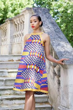 Easy to wear and effortlessly classy the Mel String dress is a head turn. Made from quality print with impeccable tailoring. No zip. Back slit with tie string. Dress is available in sizes UK 10 -18 or US 6 - 14(small, medium, large ) Small UK 10 or US 6 Breast 34 waist 28 inches Full