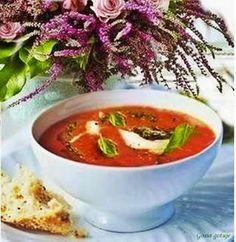 Gosia gotuje: Krem z pomidorów z pieczonym jabłkiem i bazyliowym...