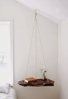 What a gorgeous idea! Refresh your garden or living room with DIY Hanging Table!The hanging table is not Hanging Table, Diy Hanging, Hanging Shelves, Ceiling Hanging, Hanging Beds, Ceiling Decor, Suspended Shelves, Hanging Letters, Floating Shelves