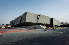 Axiom Telecom Headquarters: Abstract Mass of Concrete, Steel and Black Glass | Archute