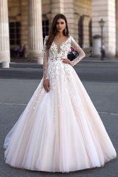 Wedding gown Nuria by Oksana Mukha #oksanamukha #OMbride #weddingdress #luxury #bride #hautecouturedress #bridalfashion
