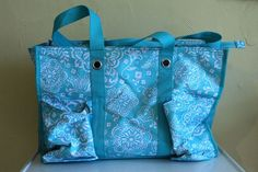 Thirty One large utility tote teal Flowers