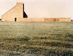 Harold Becker House, Sagaponack by Norman Jaffe Contemporary Barn, Contemporary Architecture, Building Structure, Building A House, Residential Architecture, Interior Architecture, Bungalows, Brick And Stone, Brickwork