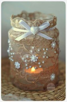Christmas Crafts With Mason Jars Decor Mason Jar Projects, Mason Jar Crafts, Lace Mason Jars, Diy Projects, Wine Bottle Crafts, Bottle Art, Pot Mason Diy, Jar Art, Altered Bottles